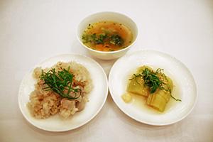 ベジブロスを使った料理の写真