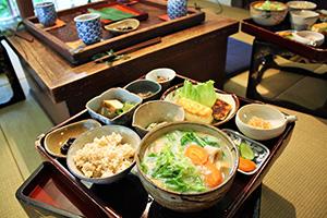 自然食レストラン郷乃恵さんの料理の写真